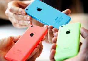 iPhones : How A Luxury Item became an EconomicNecessity